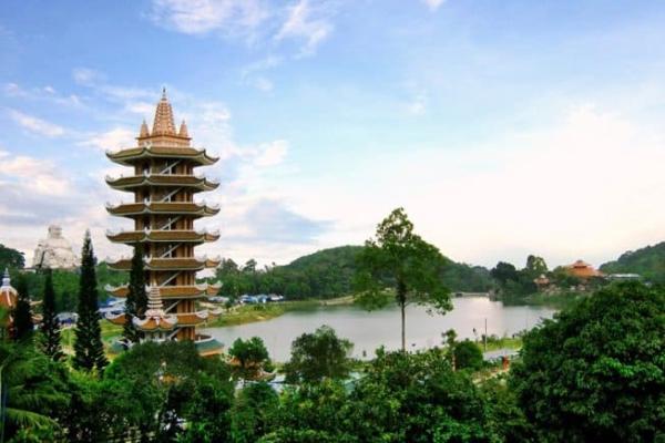 chùa Phật Lớn