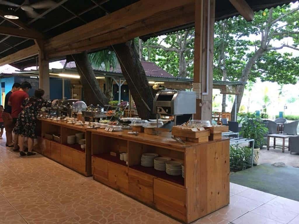 Ăn sáng Tan Son Nhat resort