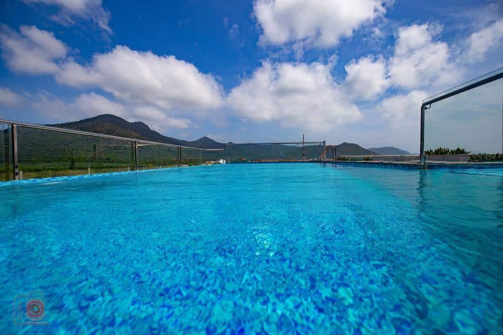 Pool Con Son Bluesea Hotel