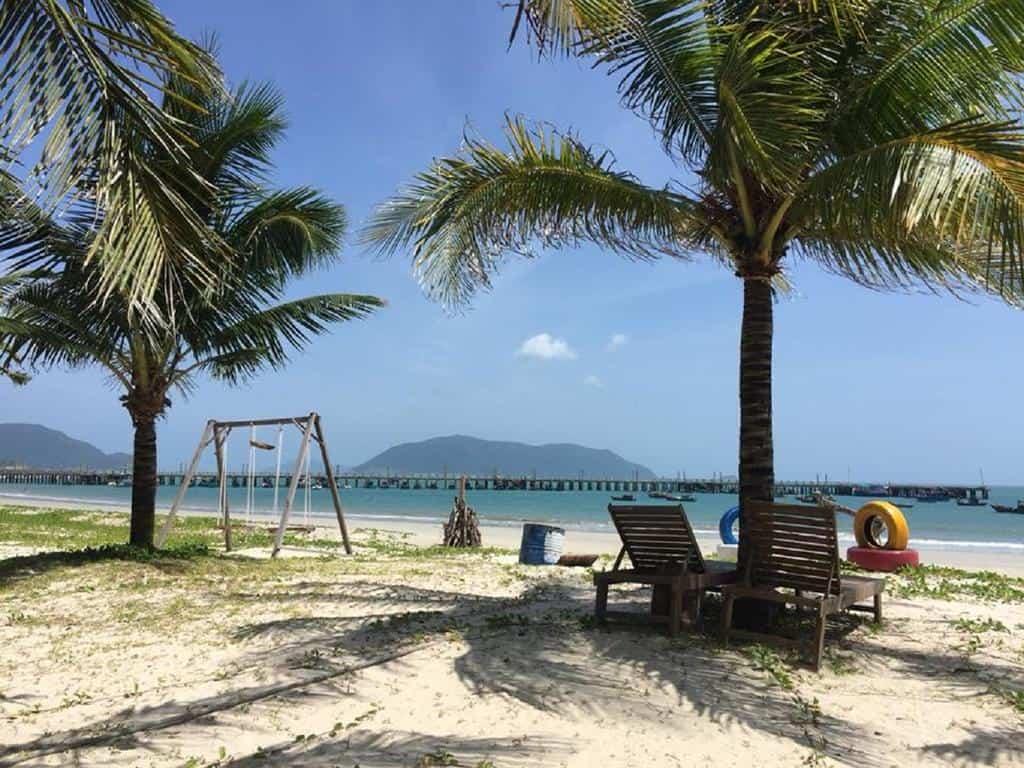 Bãi biển Tan Son Nhat resort